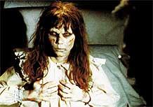 Linda Blair interpreta a garota possuída em <i>O Exorcista</i>