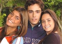 Joana Balaguer, Thiago Rodrigues e Fernanda Vasconcellos atuam no <i>folheteen</i> da Globo