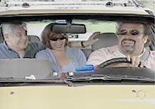 O autor Lauro Cézar Muniz (à esq.), Bárbara Bruno e André Mattos em cena de <i>Prova de Amor</i>