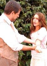 Evaristo vê marca de nascença e descobre que Mariana é sua filha