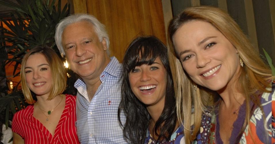 Regiane Alves, Antônio Fagundes, Fernanda Vasconcellos e Viviane Pasmanter, atores do elenco de