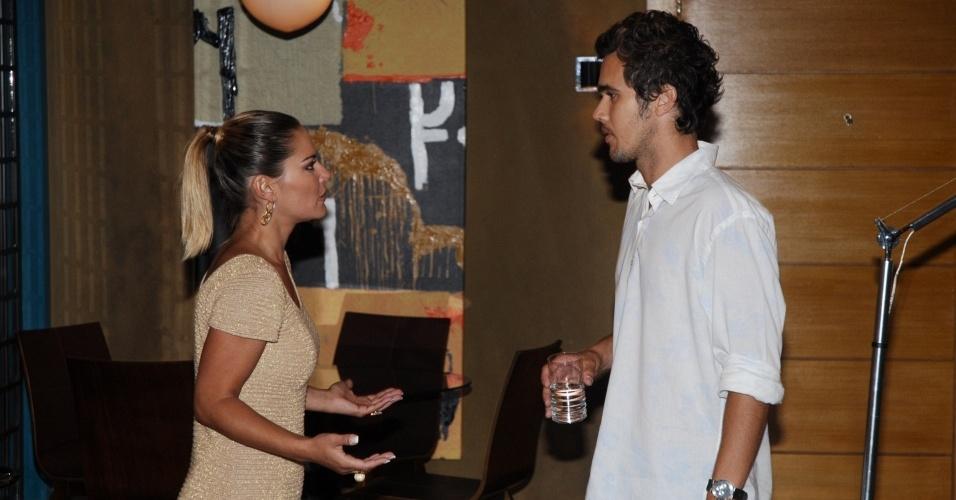 Cíntia e Rodrigo, personagens da novela