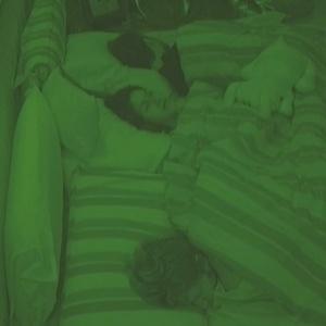 Serginho, Tessália e Michel adormecem no quarto do líder (16/01/10)