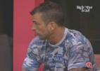 Carlos e Marcelo Dourado conversam após a eliminação