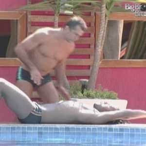 Gaúcho ensina estilo de nado peito (05/02/10)