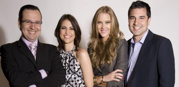 """Da esquerda para a direita, Celso Zucatelli, Chris Flores, Gianne Albertoni e Edu Guedes, apresentadores do """"Hoje em Dia"""""""