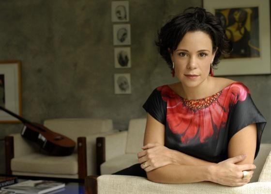 Vanessa Gerbelli, atriz em entrevista ao PopTevê (março/2010)