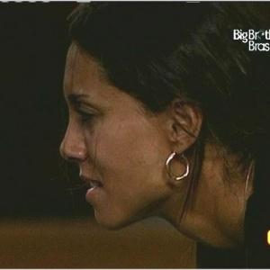 Lia chora e reclama de dores durante a prova de resistência (25/3/10)