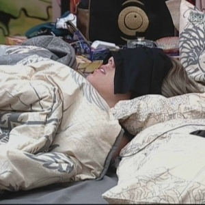 Fernanda, Cadu e Dourado passam a tarde dormindo (29/3/10)