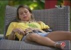 Fernanda se arrepende de ter fumado na frente das câmeras