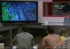 Finalistas ficam atônitos diante do desfile que assistem em 3D