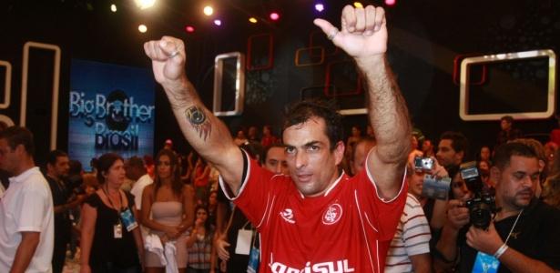 Marcelo Dourado, vencedor da 10ª edição do BBB, é lutador de MMA, jiu-jitsu e judô