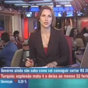 Band News é um dos canais que exagera na quantidade de informação na tela