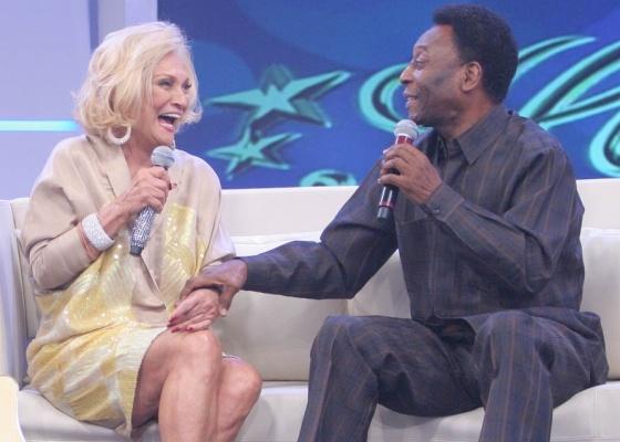 Hebe Camargo recebe Pelé em seu programa (5/4/10)