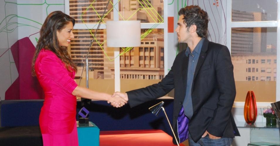 Rodrigo (Bruno Ferrari) e Bela/Valentina (Giselle Itié) se encontram pela primeira vez depois do acidente em que Bela teria morrido (11/4/2010)