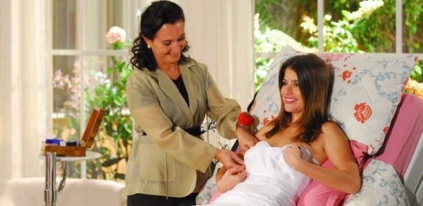 Luciana (Alinne Moraes) faz a primeira prova do vestido de noiva que vai usar em seu casamento com Miguel (Mateus Solano) (26/4/10)