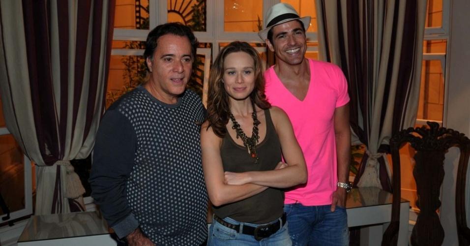Tony Ramos, Mariana Ximenes e Reynaldo Gianecchini na apresentação de