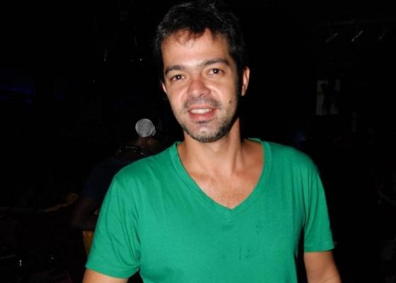 O ator Bruno Mazzeo vai à festa Gambiarra, em São Paulo (12/3/10)