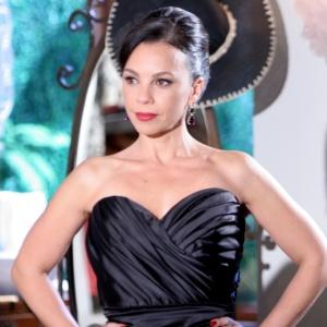 Carla Marins é Serafina na trama de