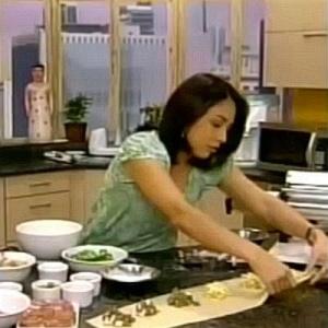Apresentadora cozinha no Shoptime, um dos muitos infocomerciais da TV fechada