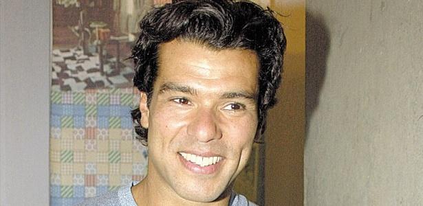 O ator Maurício Mattar na novela