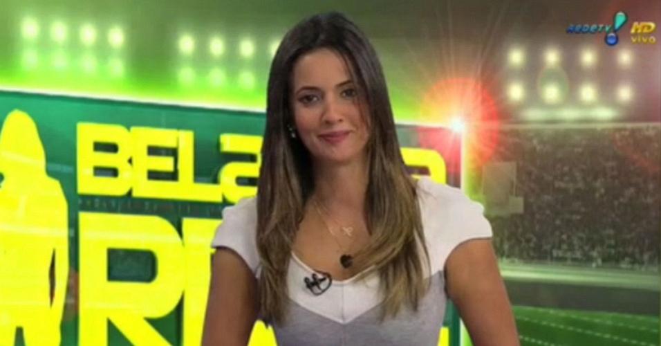 Paloma Tocci apresentando o