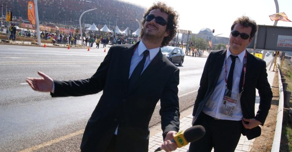 Felipe Andreoli e Rafael Cortez na África do Sul (11/6/10)