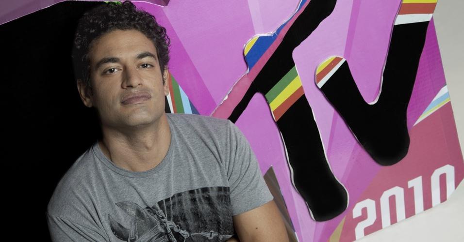 """Leo Madeira, VJ da MTV, vai estrear novo formato do programa """"Top Top"""" nesta segunda-feira (17)"""
