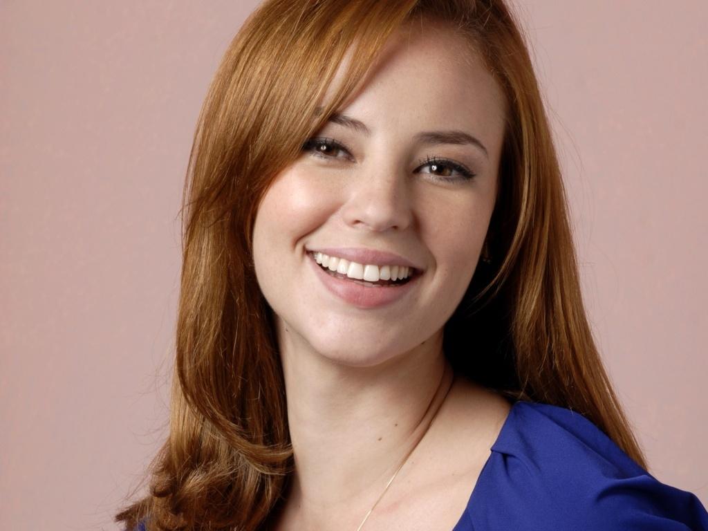 A atriz Paola Oliveira diz que sua personagem será romântica (3/7/2010)