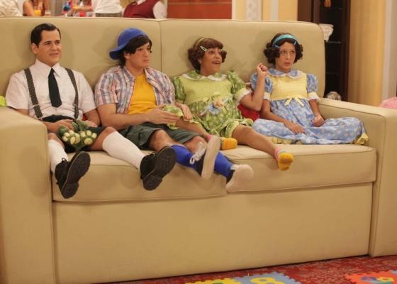 Da esquerda para a direita, os humoristas Wagner Trindade, Marcos Veras, Samantha Schmutz e Katiuscia Canoro durante gravação do quadro