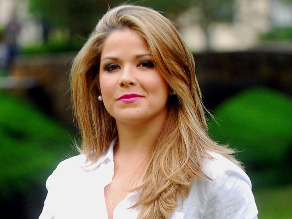 Samara Felippo volta à TV com participação especial em