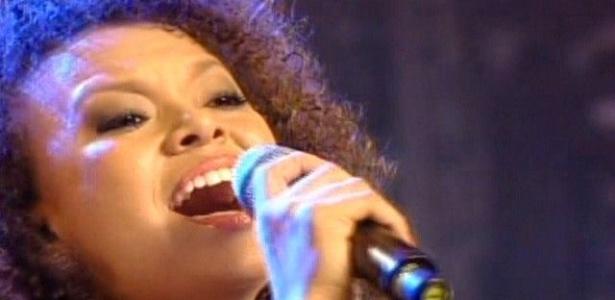 Agnes Jamile interpretou a música Encontros e Despedidas, de Milton Nascimento e foi a candidata mais elogiada da noite