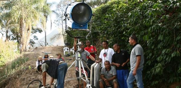 """Equipe técnica do SBT grava as primeiras cenas da novela """"Corações Feridos"""" em agosto de 2010, em uma fazenda de café na cidade de Serra Negra, interior de São Paulo"""