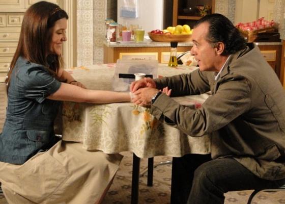 """Larissa Maciel e Tony Ramos em cena de """"Passione"""" (12/8/10)"""