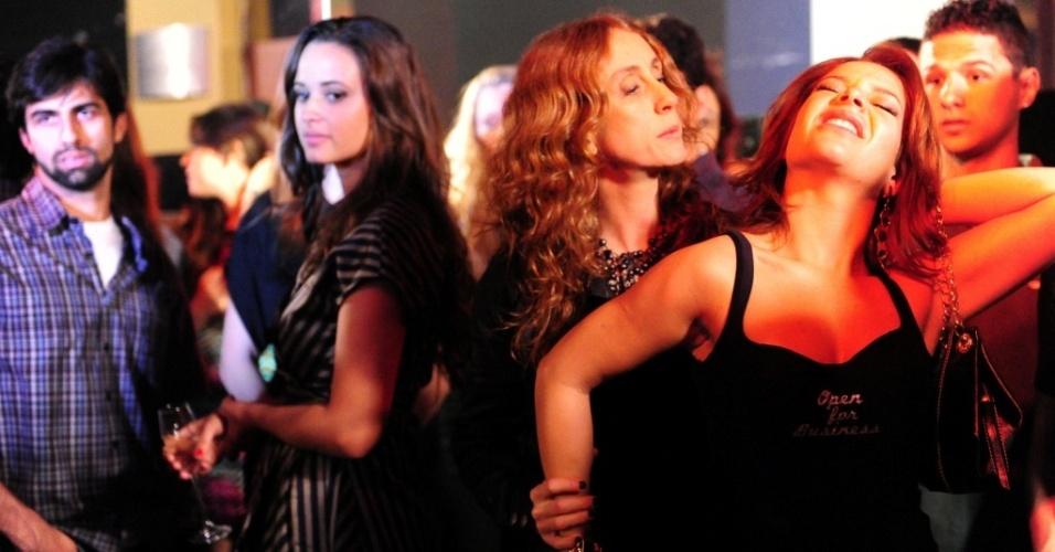 Betty Goffman e Fernanda Souza em cena de