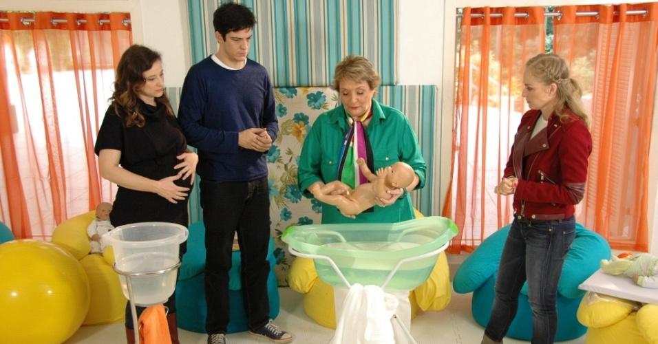 Paula Braun, Mateus Solano, Stéphanie Sapin-Lignières e Angélica em gravação de