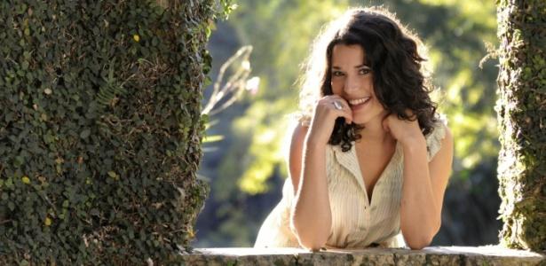 http://tv.i.uol.com.br/televisao/2010/08/20/manuela-do-monte-a-luciana-de-escrito-nas-estrelas-diz-que-se-considera-uma-mulher-tradicional-e-moderna-ao-mesmo-tempo-20810-1282336841633_615x300.jpg