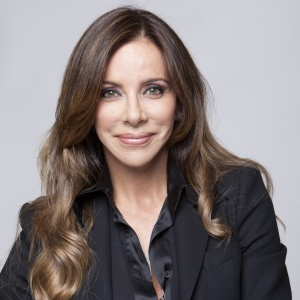 "A empresária Cristiana Arcangeli, que vai apresentar o reality o ""Extreme Makeover Social"", a partir do dia 25 de setembro de 2010, na Record"