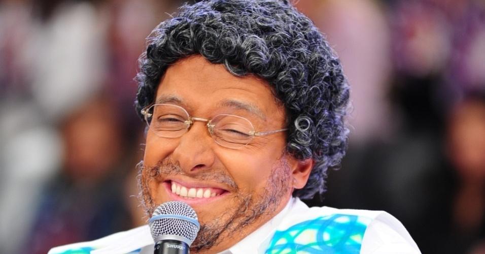 Rodrigo Faro imita Martinho da Vila em