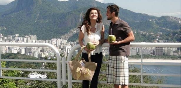 Mayana Neiva e Rafael Cardoso durante gravação de