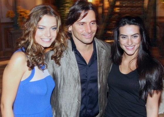 Da esquerda para a direita, Milena Toscano, Murilo Rosa e Cleo Pires na coletiva de imprensa de Araguaia, no Rio (8/9/10)