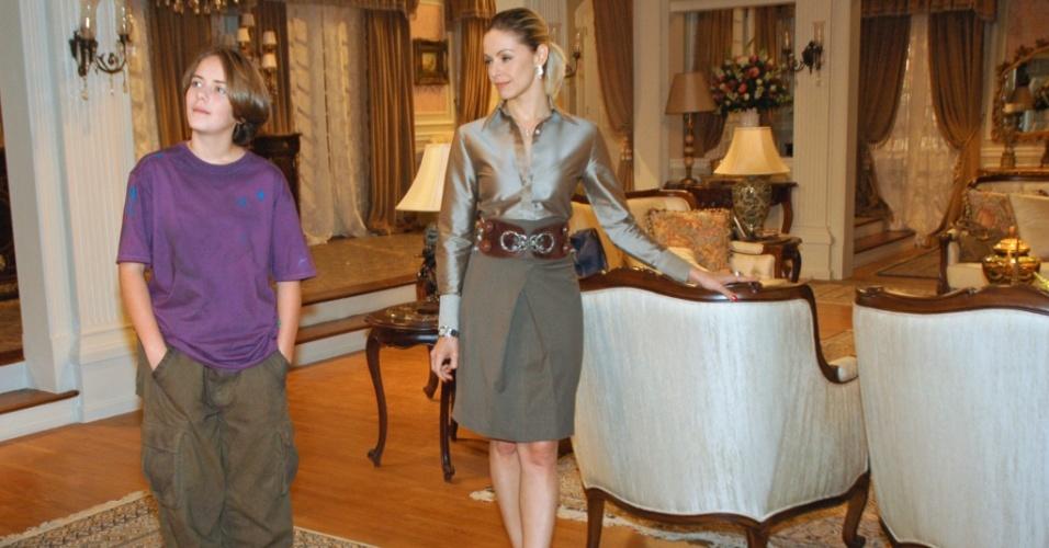 À esquerda, Diana (Letícia Medina) e Arminda (Bianca Rinaldi) durante gravação de cena de