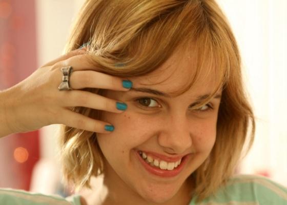 Clara Tiezzi posa para foto em seu apartamento, em Niterói (17/9/10)