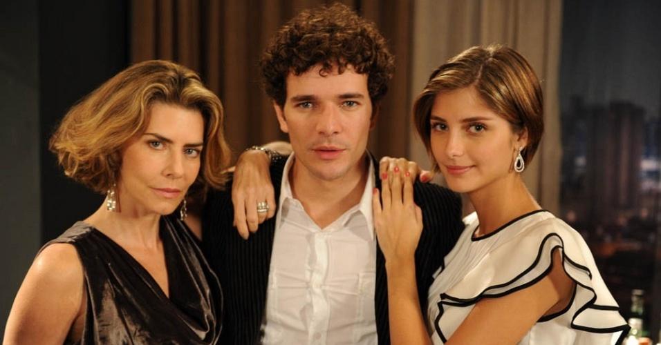 Maitê Proença, Daniel de Oliveira e Tammy Di Calafiori durante gravação de