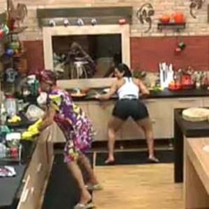 Peoas dançam funk, enquanto preparam o almoço (7/10/10)