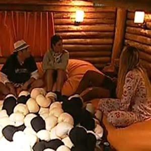 Equipe Avestruz se reune na casa da árvore (08/10/2010)