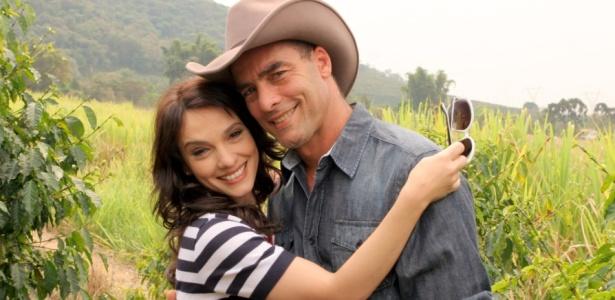 """Paulo Zulu e Cynthia Falabella estão no elenco de """"Coração Feridos"""" da SBT (11/10/2010)"""