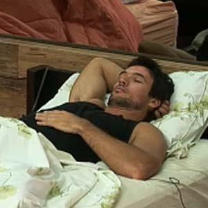 Daniel Bueno é um dos peões que estão quase dormindo (09/10/2010)