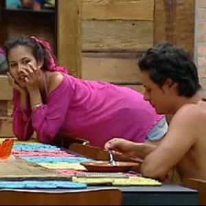 Ana Carolina Dias e Sérgio Abreu conversam na cozinha (10/10/10)