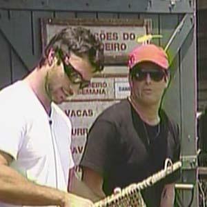 Daniel Bueno conta com a ajuda de Sérgio Mallandro na distribuição de tarefas (16/10/2010)